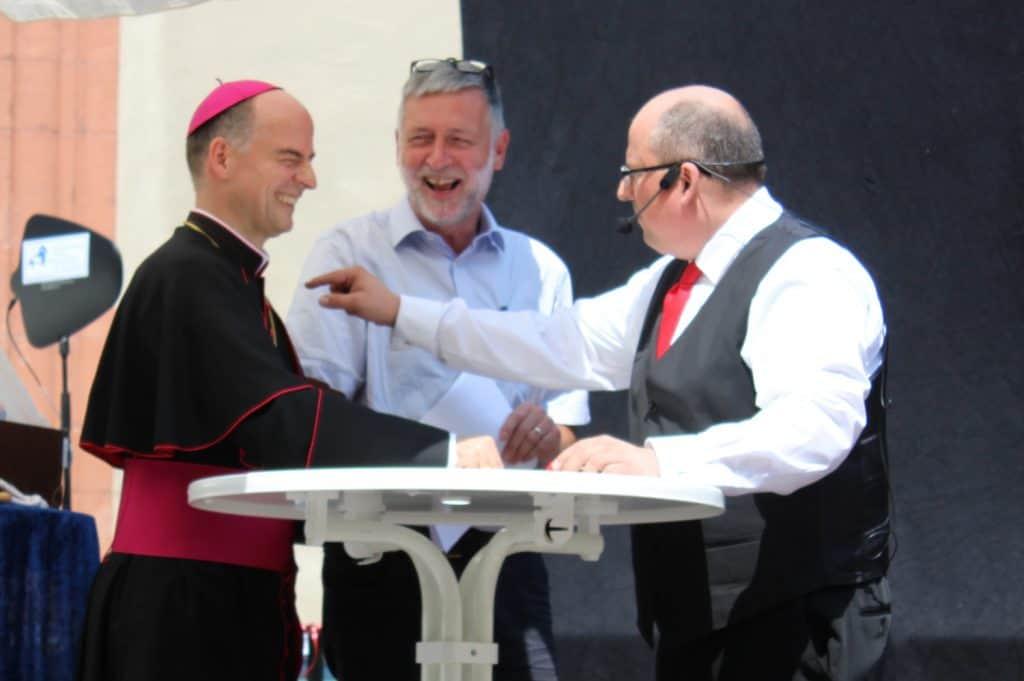 Zauberer Edelmann mit Bischof